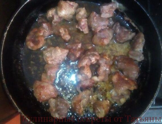 кабачки тушеные с мясом в томатном соусе